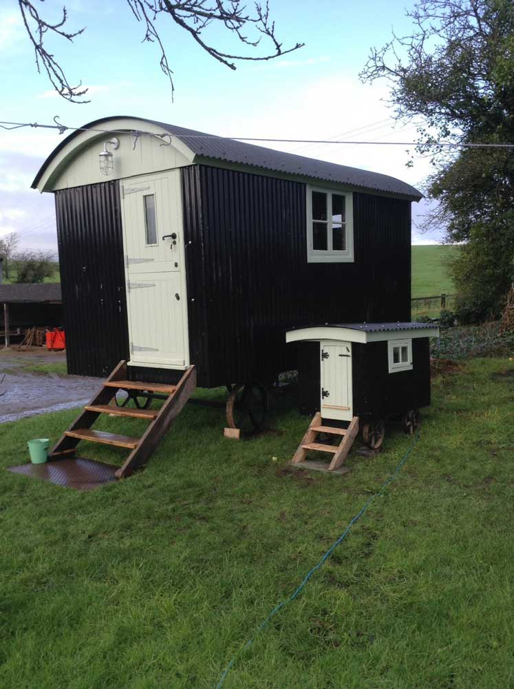 "The ""Manor Farm"" Shepherd's Hut"
