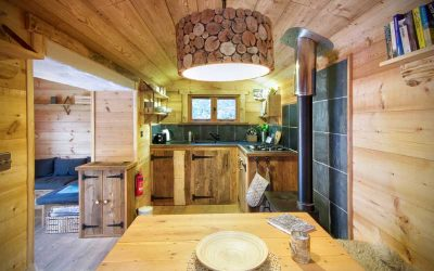 Press Release: Unique Shepherd Hut Hideaway Glamping Experience on the Isle of Wight